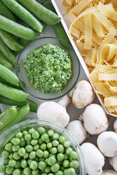 συνταγή μακαρονάδα με σπανάκι και αρακά