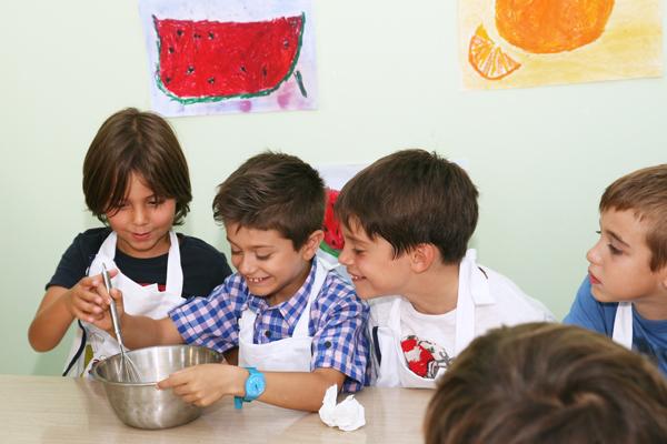 μαθητες μαγειρεύουν