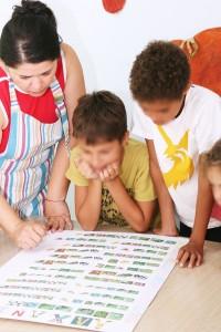 παιδιά μαθαίνουν λαχανικά